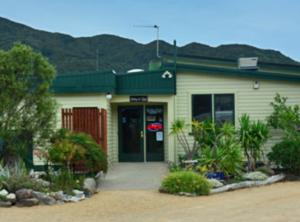where to eat in golden bay, the station house motel, best motel in golden bay